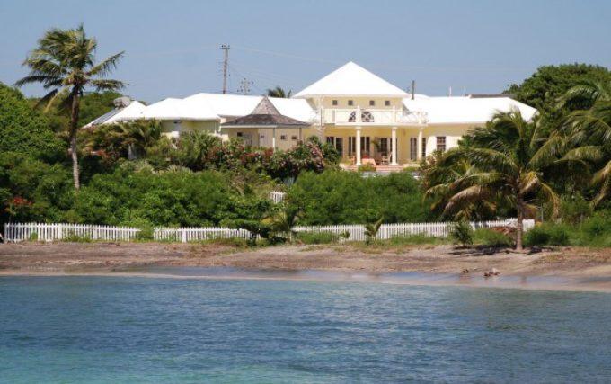 Caribbean Beachfront Villa: Nutmeg Bay Villa, Grenada